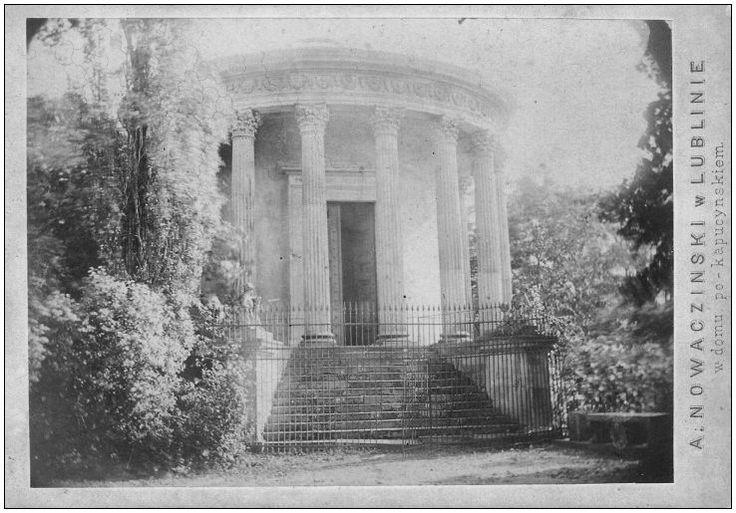 Swiątynia Sybilli  (Temple of Sybil). Picture taken by Aleksandra Nowaczyńskiego around 1879 (Puławy, Poland)