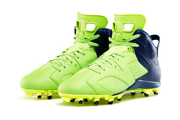 Earl Thomas custom Jordan football cleats...because why not be sponsored by a bball brand if you play football?