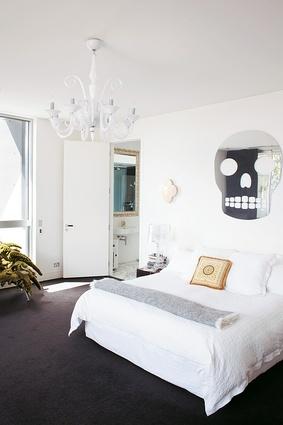 mirrored skull  by Swiss artist John Armleder. #home #bedroom