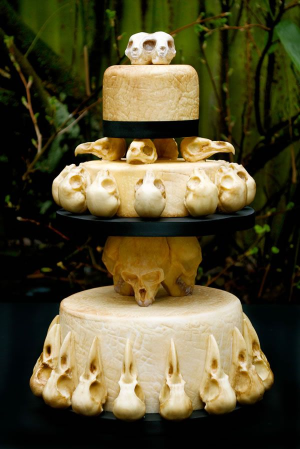 animal skull-themed wedding cake