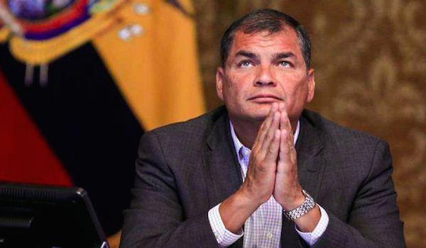 """Entrevista a Rafael Correa: """"Están robando la década ganada"""" - Por CNN - NODAL http://www.nodal.am/2017/10/entrevista-rafael-correa-estan-robando-la-decada-ganada/"""