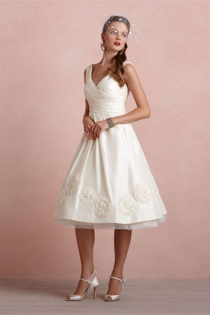 54 best Vegas Wedding Planning images on Pinterest | Wedding frocks ...