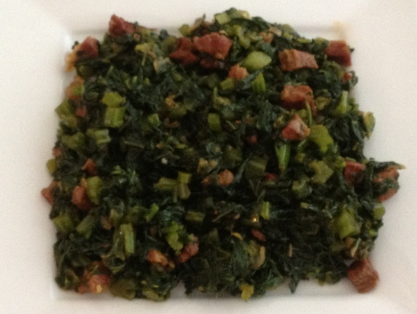 Amsoi is een surinaamse groente die redelijk snel klaar te maken is! Het kan met verschillende vlees of vissoorten gemaakt worden! De meeste mensen gebruiken zoutvlees! De groenten amsoi kan je halen bij de toko!Onderstaand recept is voor ongeveer 4...