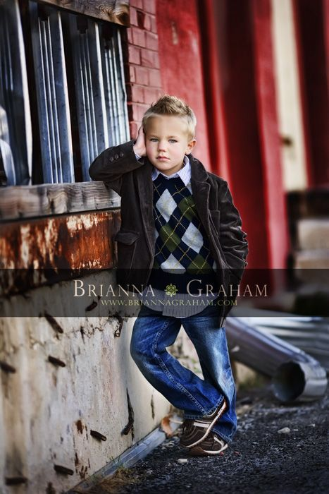 I love the urban setting, colors, and pose. ♡ Photo Session Ideas | Props | Prop | Poses | Family | Little Boy | Boys