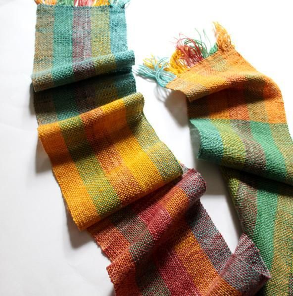 I love this scarf made by Angela Tong, the instructor of the online rigid-heddle weaving class I'm taking.