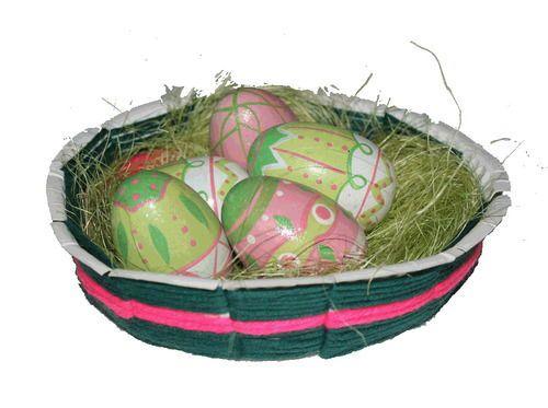 Mal ein anderer Osterkorb: gewebt und aus einem Pappteller