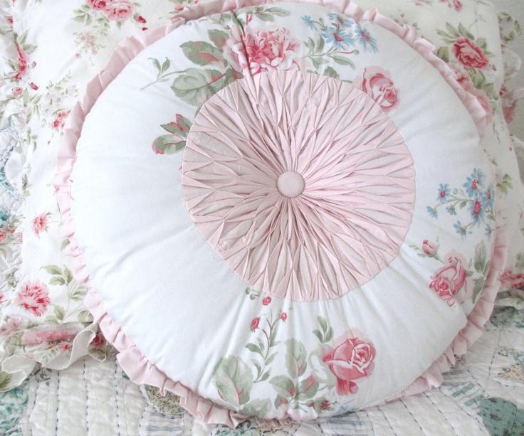 Light Pink Throw Pillows Target: Best 25+ Shabby Chic Pillows Ideas On Pinterest