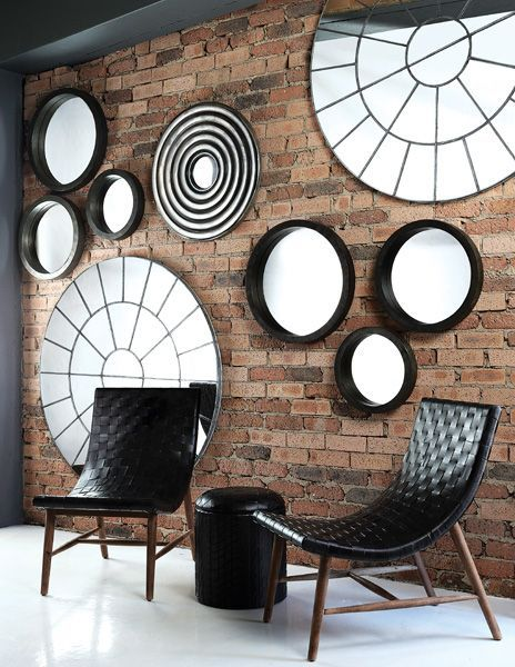 Chair with black large round coffeetable