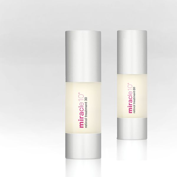 The smart skincare trick of the day: if you experience slight irritation when using the skincare superstar Retinol (which by the way is a common sign of skin excercise with the retinol ingredient), mix it with your moisturizer during the first few applications. #skintips #tipsandtricks #beauty #retinol #moisturizer #skincare