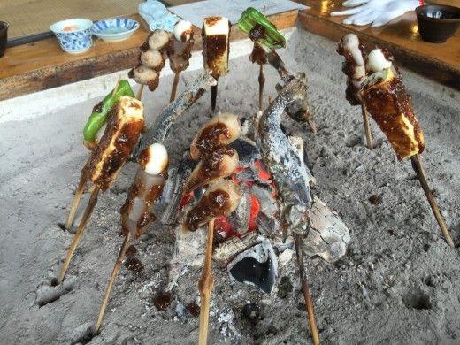 阿蘇高森の田楽村にて、ヤマメの塩焼き、つる芋などの田楽料理を堪能!(熊本県 南阿蘇)