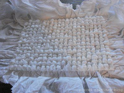 How to make bubble wrap fabric! Genious.