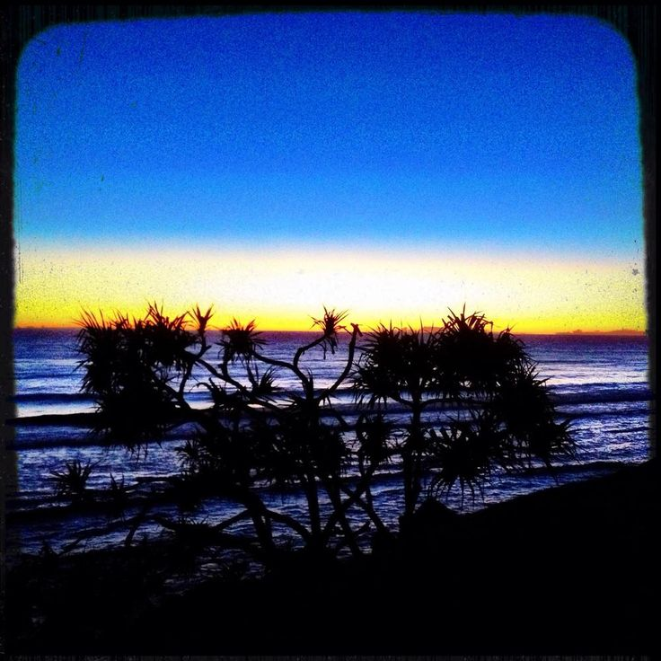 Was hoping for some #surf but will have to settle for this sensational Burleigh #sunrise
