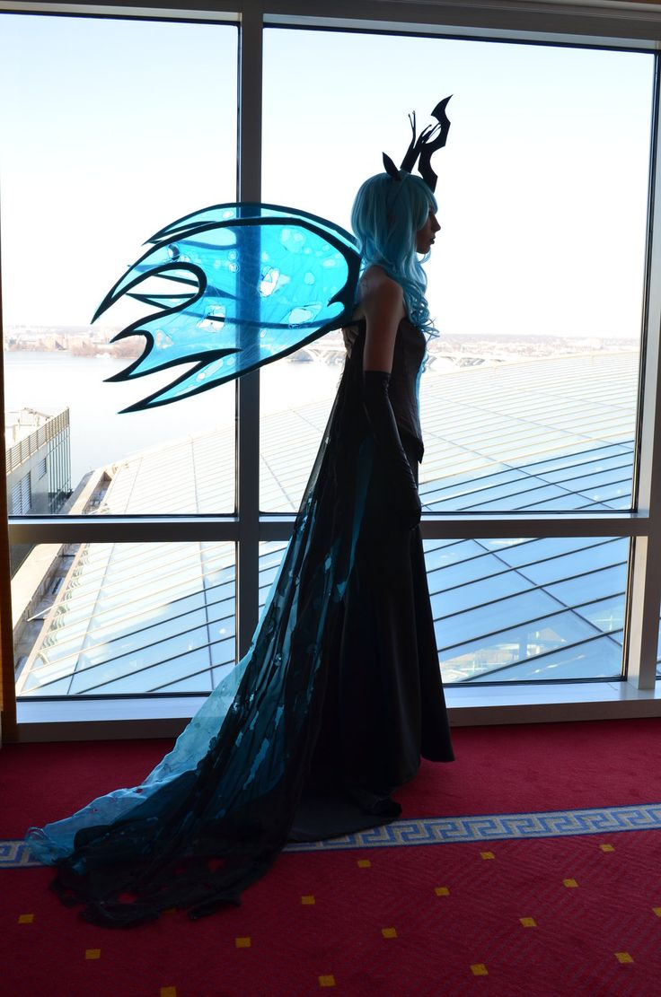 Queen Chrysalis - This is what royalty looks like by RougeLeaderRed.deviantart.com