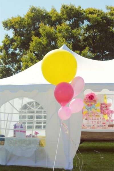 festa infantil dentro tenda