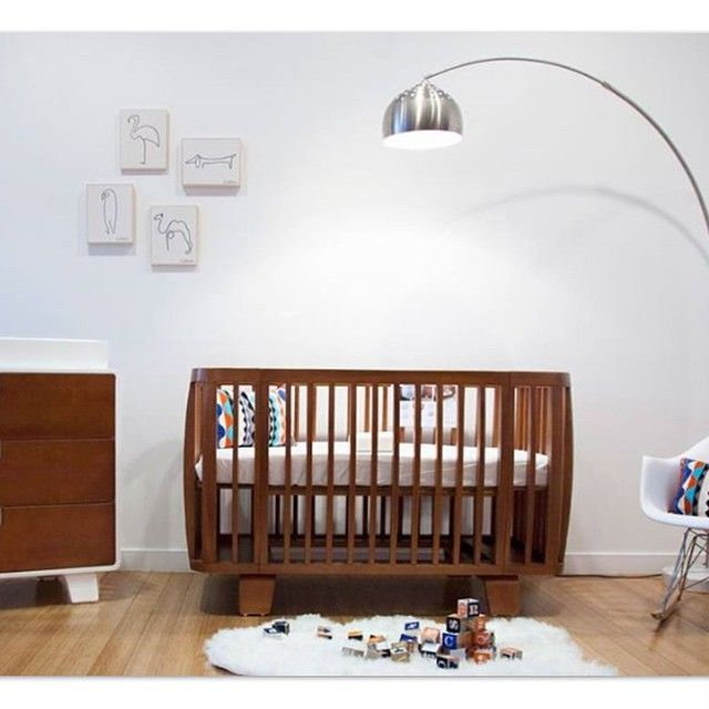 Retro crib throwback chic nursery decor showstopper for Chic baby nursery ideas