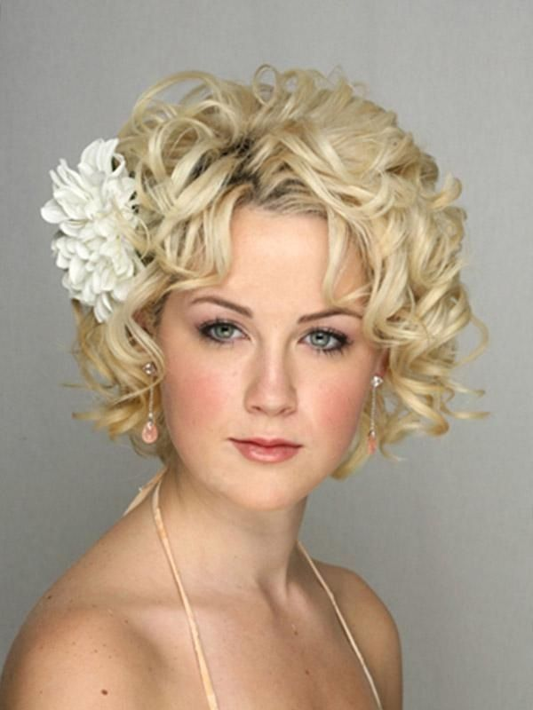 25+ best ideas about Short bridal hairstyles on Pinterest | Short ...