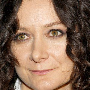 HAPPY 43rd BIRTHDAY to SARA GILBERT!!  1 / 29 / 2018 Actress who played Darlene Conner on TV's Roseanne. She was nominated for an Independent Spirit Award for Best Supporting Actress for her portrayal of Sylvie Cooper in the 1992 film Poison Ivy.