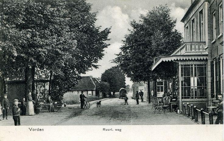 Ansichtkaarten Dorpsstraat en Ruurloseweg : A080032