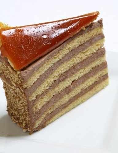 Dobostorta szelet – közkedvelt torta