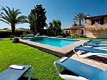 750 / 6 Finca to rent for holidays in Pollensa, Mallorca B4457