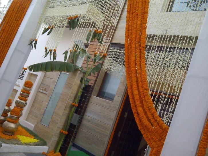 Like the use of the flower strings - for the pellikuturu ceremony