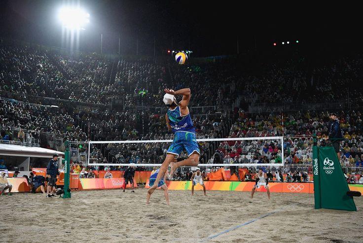 Congrats, @AlisoneBruno (#BRA) on winning #gold in men's #beachvolleyball ! #Olympics #Rio2016