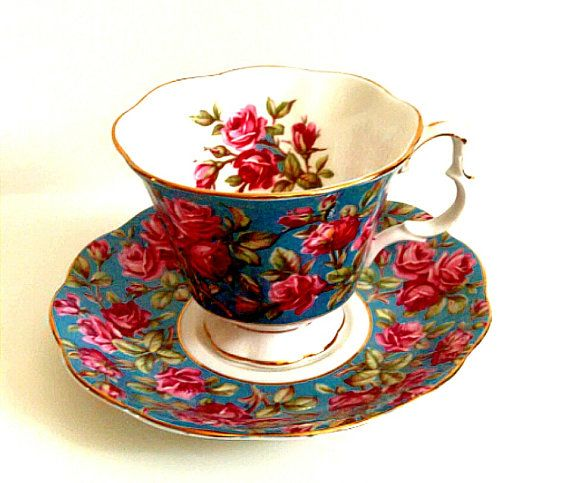"Vintage Royal Albert Bone China Teacup w/ Saucer Merrie England Series ""Harewood"""