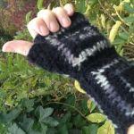 2 - Pulsvarmer / SMS handsker i superwash uld/akryl og gråmeleret mohair. st. M - L