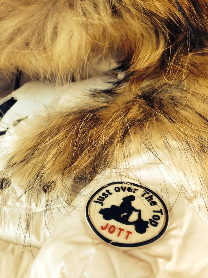 Nouveauté de l'hiver 2014/2015 la doudoune Gold plus longue et à col fourrure