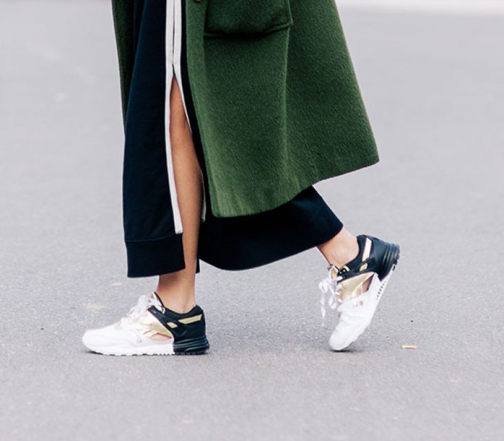 Fall Trends to Make You Look Like a Fashion Blogger: #5 Chic Sneakers | MYSA https://www.foreo.com/mysa/fall-trends-make-you-look-fashion-blogger#slide-5