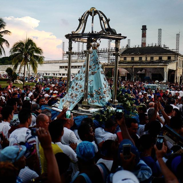 The procession of the Virgen de Regla this afternoon. A yearly event that draws hundreds of Catholics and followers of Santeria. by cubareporter