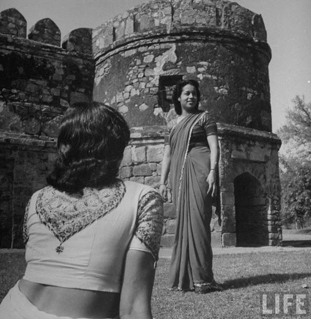 vintage blouse design, 1950s?