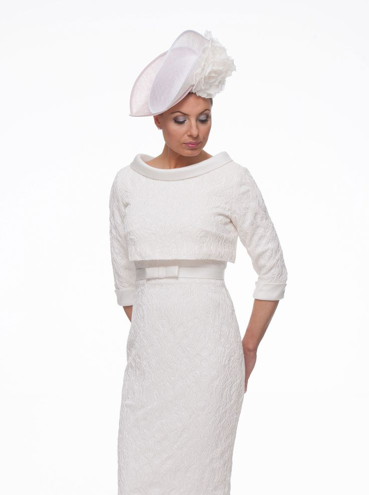 This sixties inspired dress and top would have looked amazing on Audrey Hepburn or Jackie Onassis. Both great style icons whose fashion sense has stood the test of time and whose style is still the inspiration for today's designers. This 2 piece is made to measure in stretch jacquard in ivory or can also be …
