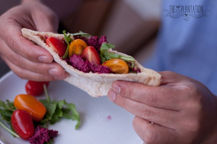 Vegan, quick and easy home-made pita bread recipe. The Little Plantation Blog