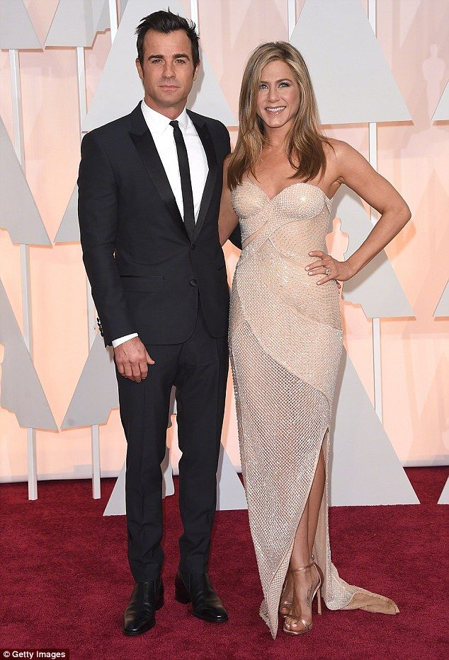 A natural look: Jennifer Aniston reveals she has quit sunbathing after giving herself an i...