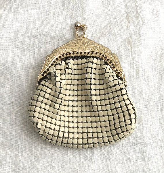 Tiny vintage coin purse beige metal mesh Glomesh by CardCurios