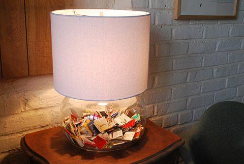 Lámpara con cajas de cerillas dentro