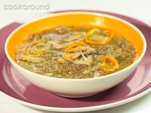 Minestra di lenticchie con petto danatra confit allarancia: Ricette di Cookaround | Cookaround