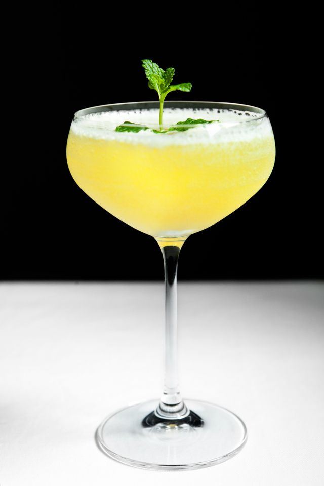 The Flirtini is known from the Tv-series 'Sex and the City', and just like the tv-show the cocktail is becoming a classic!
