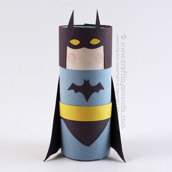 Kartonnen koker Batman door Amanda Formaro van Ambachten door Amanda