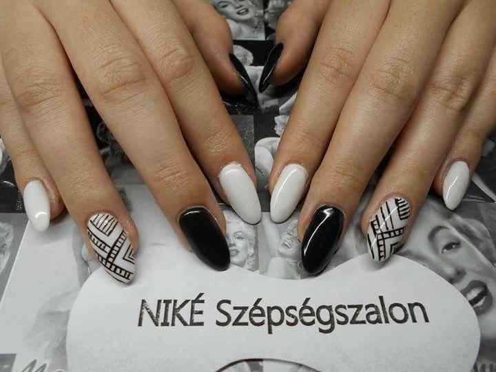 #defla_nails #black&white #gel #nails