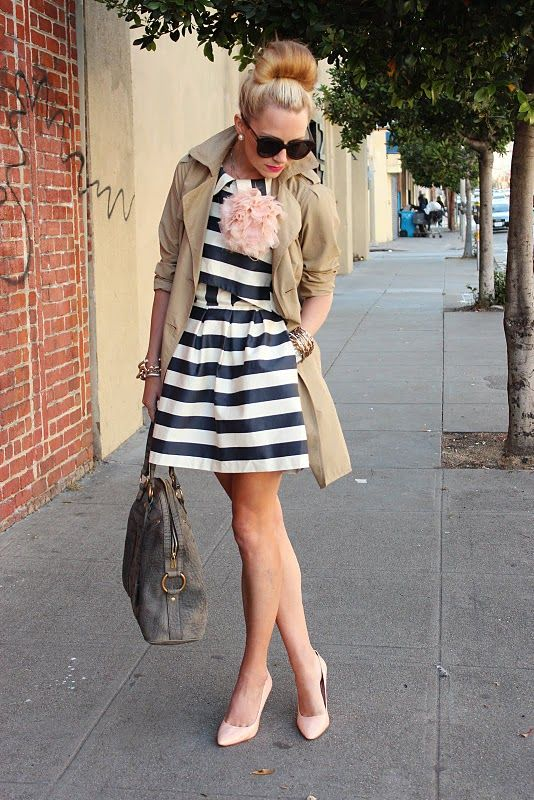 stripes, pink, trench!Pink Flower, Atlantic Pacific, Fashion, Flower Pin, Style, Carrie Bradshaw, The Dresses, Stripes, Trench Coats