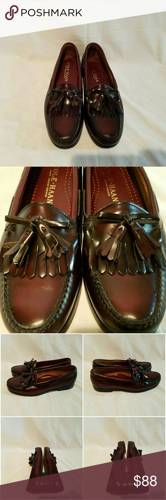NWOB Cole Haan Tasseled Loafer New men's Cole Haan shoes with leather soles and stacked heels.   Made in USA acbe Cole Haan Shoes Loafers & Slip-Ons