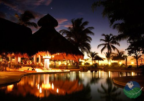 Hotel Bahia del Sol, Costa Rica. The hotel guests will cherish being here and have fun with the walk-in swimming pool and swimming pool bar so close to the ocean.