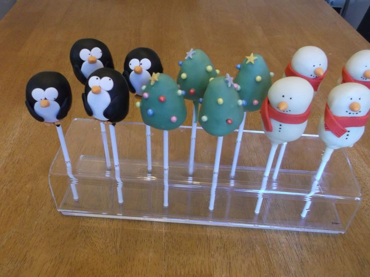 Christmas cake pops - penguins, Christmas trees and snowmen x www.facebook.com/fireflycakes