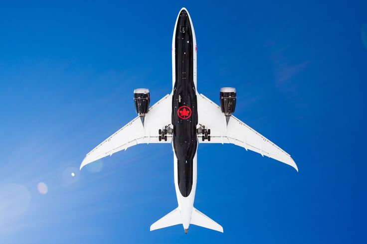 https://flic.kr/p/R4PVzK | Looking up just got more interesting | Air Canada Boeing 787-8 C-GHPQ New Livery | Looking up to the new Air Canada Livery as it lands at Montreal-Trudeau International airport from Toronto-Pearson.
