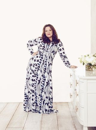 Hey curvy girls all over the world, After a successful launch last year for her very first clothing line, Melissa McCarthy is back with her 2016 spring Melissa McCarthy collection. The spring Melissa