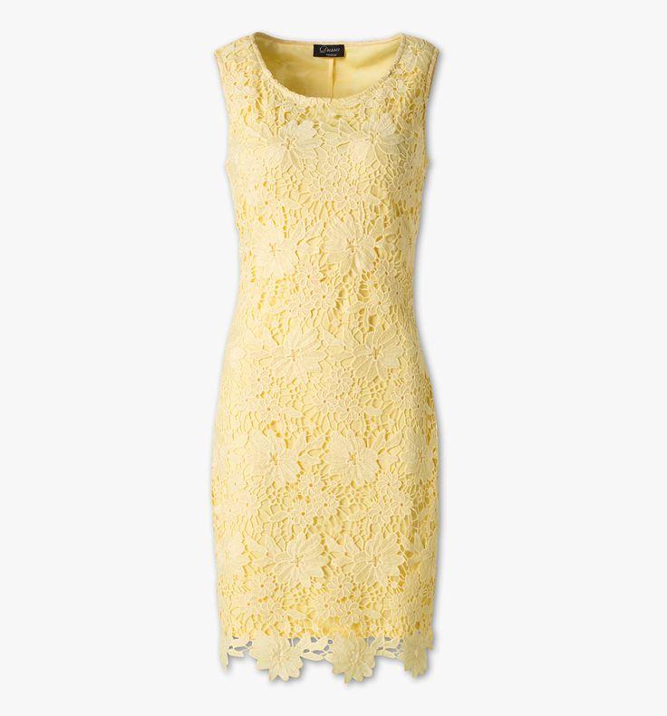 Etuï-jurk van kant in geel