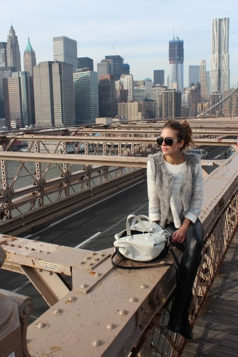 vestFashion, New York Cities, Style, Claraalonso, The View, Brooklyn Bridges, Cities Life, The Bridges, Fur Vest
