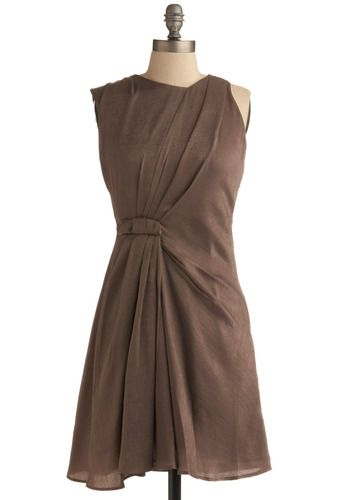 So we officially enter a new realm of sartorial obsession: DRAPING! Modcloth Photo Ready Dress. #modcloth #dress #draping